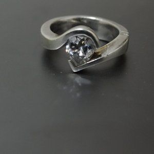 GUC 1.5ct White Pear Moissanite 10K gold ring 6